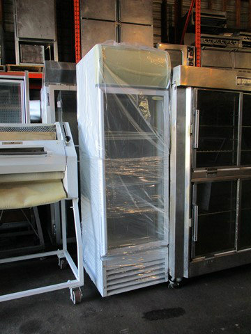 frigo vitr 23 39 39 de large recyclage industriel. Black Bedroom Furniture Sets. Home Design Ideas
